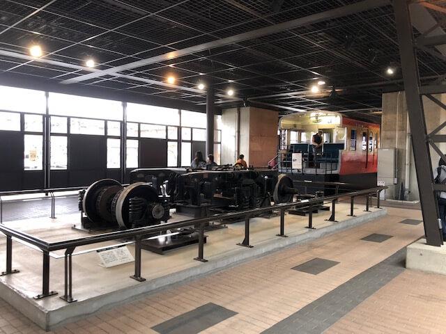 車両と車輪の展示